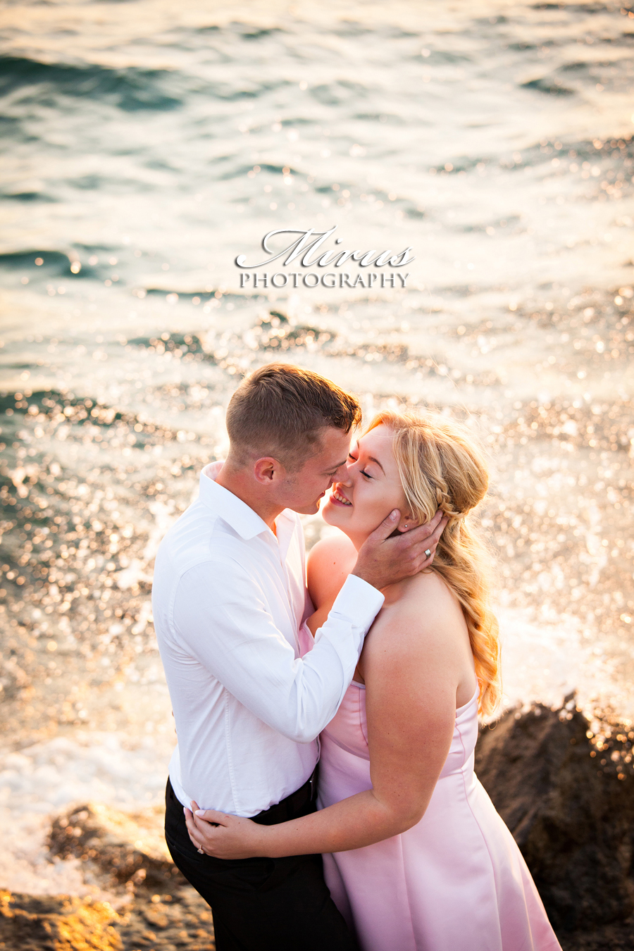 NIagara Falls Engagement Photographer